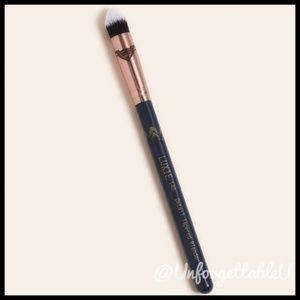 Luxie Makeup - BNIP! Luxie 140 Detail Tapered Blender Brush